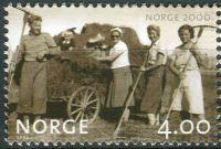 (1999) MiNr. 1325 ** - Norsko - Milénium (II): sklizeň sena (1943)